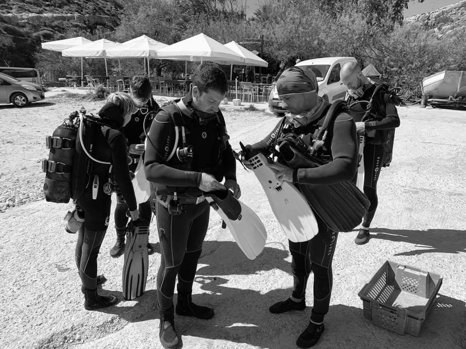 Divers Setting Equipment